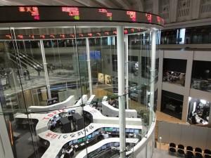 15.3.27東京証券取引所-min