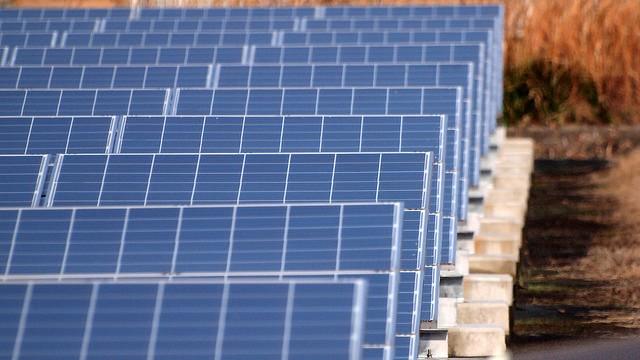15.5.22太陽電池パネル-min
