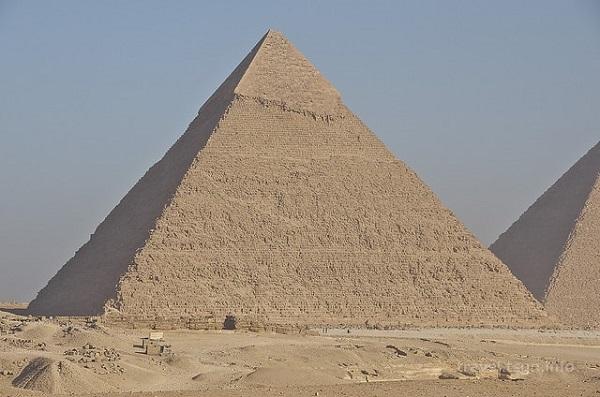 15.8.26ピラミッド-min