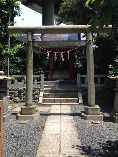 16.6.23兜神社-min